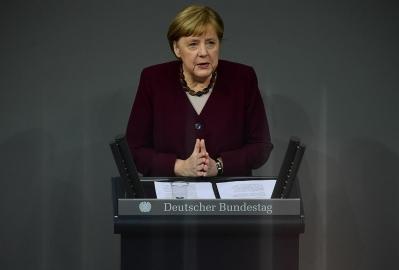 Merkel: Teška zima je pred nama, ali i ona će jednom proći