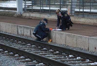 Maloljetnica poginula snimajući 'selfie' ispred dolazećeg vlaka